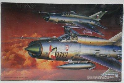 """【統一模型玩具店】FUJIMI《米格21戰鬥機 MIG-21 MF """"PIN up MIG""""》1:72 # 35110"""