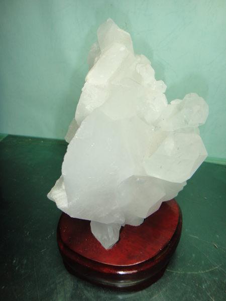 【競標網】頂級透亮巴西天然3A白水晶激光料原礦1524克(贈座)(網路特價品、原價8000元)限量一件
