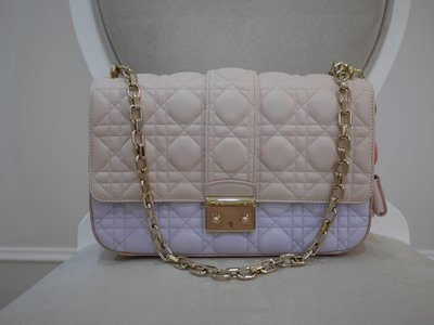 99成新 Christian Dior 限量雙色淡粉淡紫金扣ADDICT包包