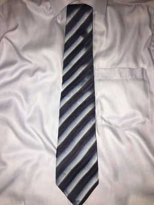 HUGO BOSS 絲質領帶 如新 廉售 加贈一條日系品牌領帶