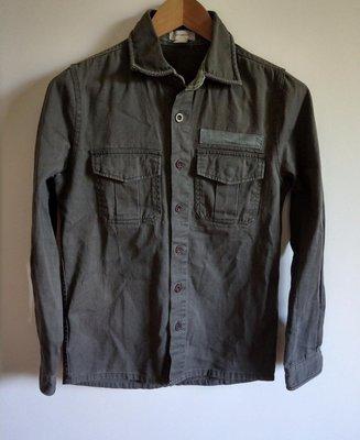 FIFTY PERCENT 50%軍綠色牛仔襯衫(ZARA、UNIQLO、H&M、GAP可參考)