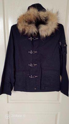 [99go]日本專櫃 IN THE ATTIC changeable design 大扣環 黑色 真毛皮 帽沿 短版 連帽外套 M號 夾克 短大衣 風衣