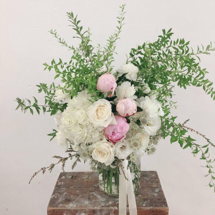 F02。森林草感捧花。粉白色系新娘捧花。拍照手綁花。客製捧花。台北歡迎自取【Flower&House花藝之家】