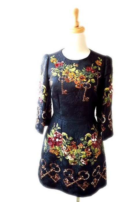 *Beauty*D&G黑色緹花長袖洋裝38號 48800  元WE17 全新品 原價24萬