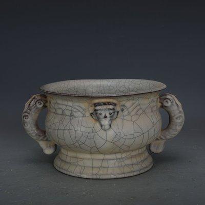 ㊣姥姥的寶藏㊣ 宋官窯手工瓷鐵胎開片獸耳香爐  出土文物古瓷器古玩收藏擺件