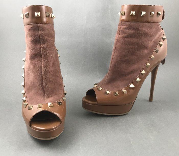 [我是寶琪] 廖曉喬二手商品 VALENTINO 鉚釘踝靴