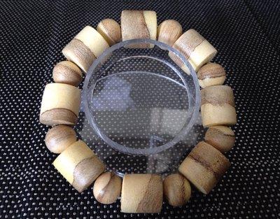 ㊣越富沉檀香㊣230元起標--越南芽莊桶狀沉香手珠14mm、隔珠12mm。