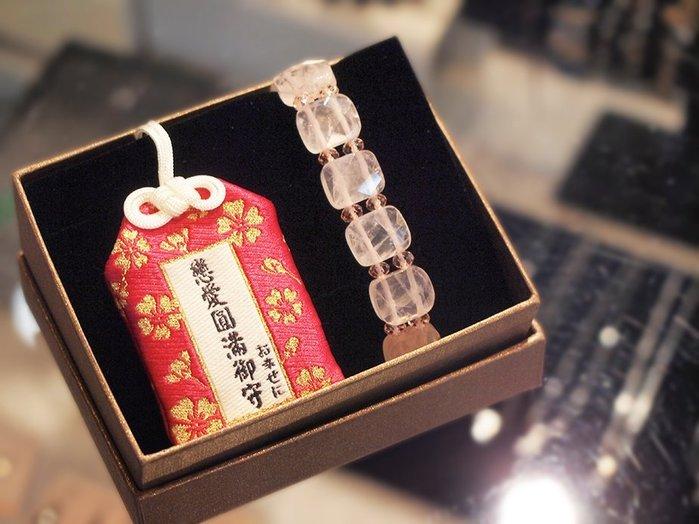 戀愛祈願御守 / 搭配心想事成方型粉晶手環/ 禮盒組 【ROSE手工飾品】