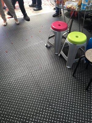 美的磚家~YAMAHA各大機車行工業風黑鋼立體浮雕金屬鐵板塑膠地磚塑膠地板60cmx60cm3.0m/m每坪只1600元