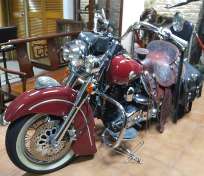 Harley Davidson -  Motor Cycle with Leather Jacket & Silver Details  私人珍藏 香港仔 睇車