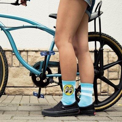 (I LOVE樂多)MOONEYES EYEBALL Ladies Socks 經典圓LOGO對比配色橫條襪 中筒運動襪
