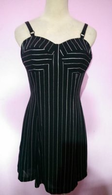 BERNIS 貝爾尼斯黑色直條紋洋裝/細肩連身裙(59) 原價5680元~