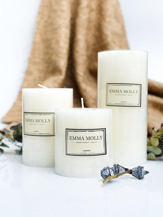 聚吉小屋EMMAMOLLY白色浪漫香薰蠟燭燭臺柱蠟大中小3個裝婚禮燭光晚餐蠟燭(規格不同價格不同哦)