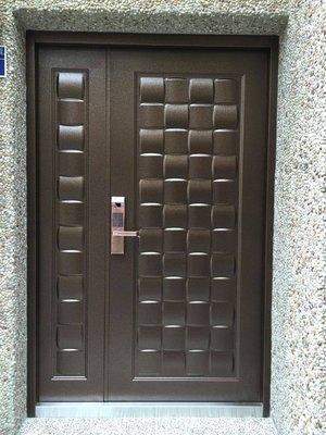 指紋密碼鎖 加 木編瓦子母玄關門46000元含安裝、拆舊門、清運舊門、泥作填縫~鍛造門大門指紋鎖電子鎖門中門子母門