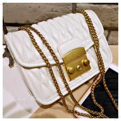 現貨秒出 *NINI Shop* 真皮 羊皮 19cm miu款皺褶金鍊小方包 (長鏈帶)- 白色 (刷卡/超取付款)