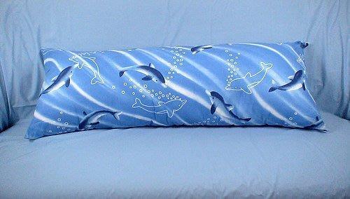 海豚與我大抱枕.大長枕~百種花色任君挑選.超級大長枕140CM~