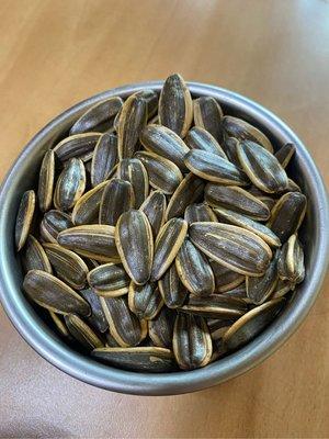 現貨 代購【焦糖葵花子、茴香葵花子 500g/袋裝】開心果仁 堅果系列現貨大顆粒好吃😋
