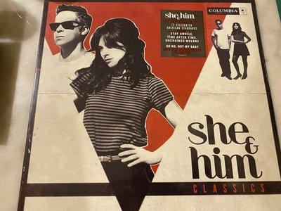 (全新未拆封)She & Him 她和他樂團 - Classics 經典小情歌 黑膠LP