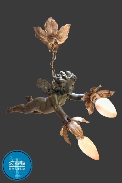 【波賽頓-歐洲古董拍賣】歐洲/西洋古董 法國古董 拿破崙三世風格 老天使吊燈/燭台2燈(燈泡規格:E14)(吊燈高度:56公分;天使長/寬度:30/15公分)