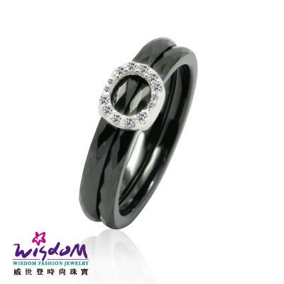 菱形鑲鋯黑陶瓷 925銀戒指 太空陶瓷 送禮/自用 情人禮 生日禮 熱銷款 威世登時尚珠寶