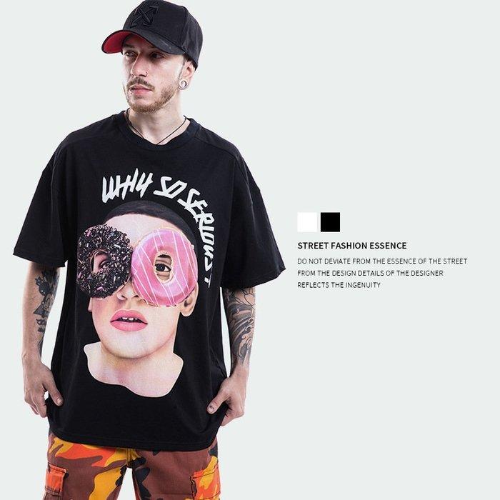TST- 甜甜圈 眼鏡 人像 寬鬆 大尺寸 oversize 落肩五分袖 短袖T恤 短T 情侶款美式西岸