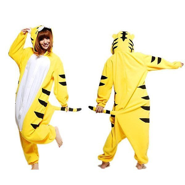 5Cgo【鴿樓】會員有優惠 珊瑚絨卡通動物連體睡衣 情侶家居演出服裝 舞臺劇服飾 cospay 黃老虎