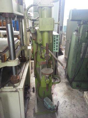 億整機械(桃園廠)~35KVA點焊機,狀況良好,歡迎來電洽詢~中古機械~