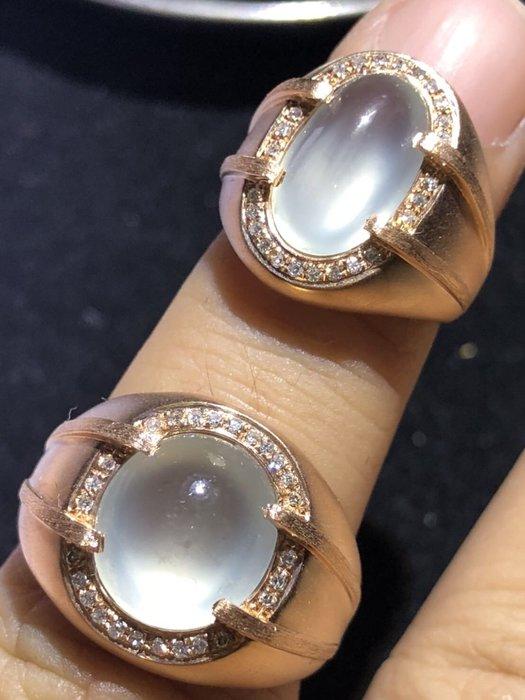 玻璃種放光翡翠蛋面戒指