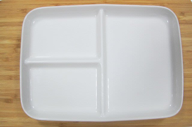 【無敵餐具】大同瓷器-三格長方餐盤P5603 小朋友也可以使用唷! 量多更優惠 可來電洽詢享優惠價!【A0059】