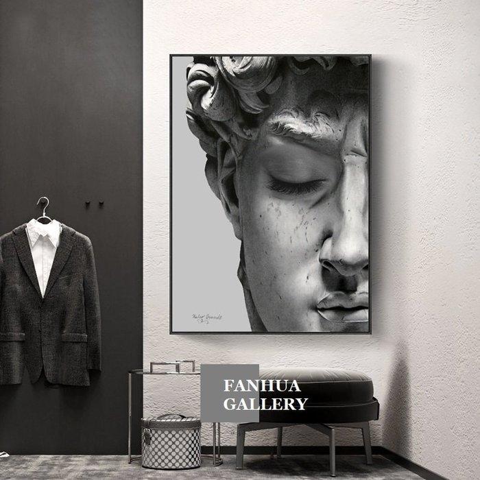 C - R - A - Z - Y - T - O - W - N 黑白大衛雕像人物藝術掛畫小眾裝飾畫高級灰工業風牆畫時尚衣帽間掛畫設計師款畫高檔住宅空間裝飾畫