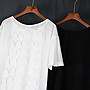 SMACHIC studio 獨立設計師品牌 / 透視百褶袖。高低擺網格開衩落肩T恤 黑 / 白