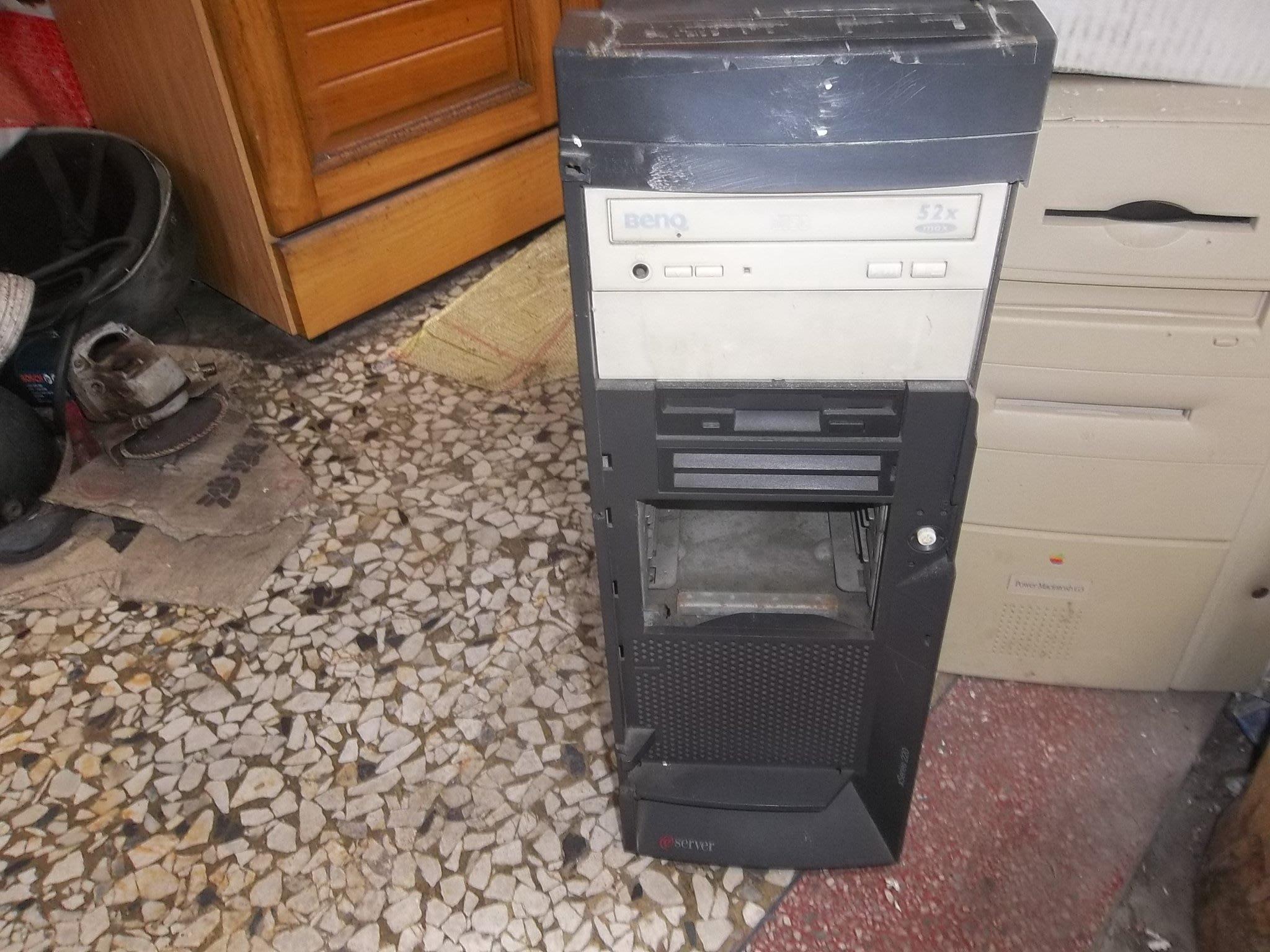 IBM,伺服器,XSERIER 220,不過電,報帳用,零件機,不保固