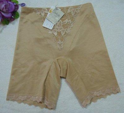 《華歌爾~Salute》莎露【SV4455】蕾絲繡花束褲~M,L~膚色~中華民國製