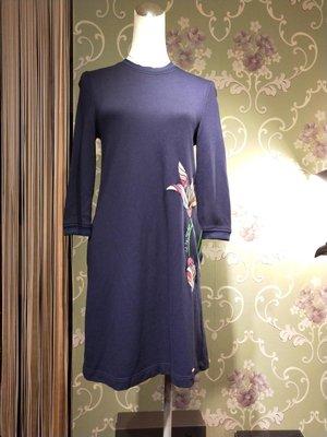 晶采臻品: Ted Baker真品~深藍棉質繡花設計洋裝~特價2380