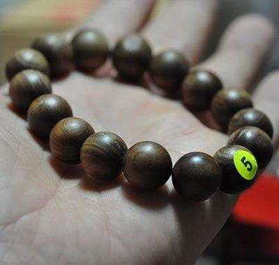 宋家苦茶油kanyuhuntoALL.5廣義紅土奇楠16顆手珠14mm.全世界最香.最涼.最持久的沉香.