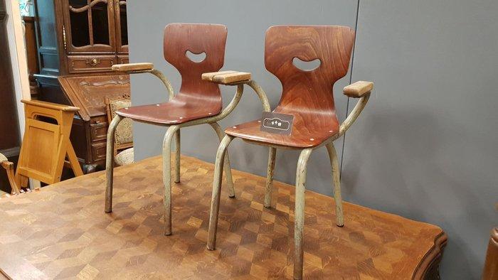 【卡卡頌 歐洲跳蚤市場/歐洲古董】德國老件_小童 木扶手椅 工業 大人可坐 廠記 兒童椅 ch0299✬