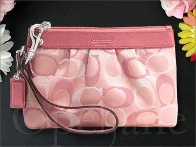 Coach 46761 3色粉嫩色厚度抓皺織布手拿包手腕包可放IPHONE 免運費 愛Coach包包