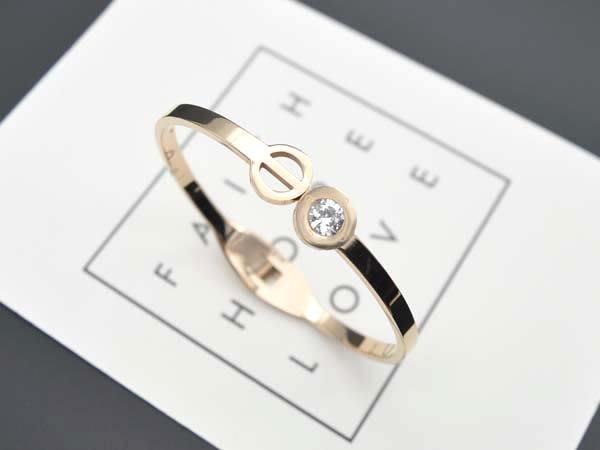 【寶寶王國】簡約 316L不銹鋼手環  (商品編號   330-1007714-2)