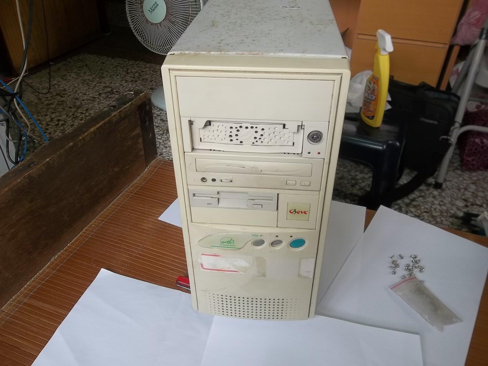 PENTIUM-166電腦,華碩主機板,,大孔鍵盤,含,6.4G硬碟,DE-530網路卡,已灌好98有3組ISA,共9台