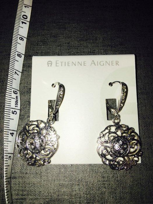 出清--新款上架美國大牌Etienne Aigner黑水晶耳環
