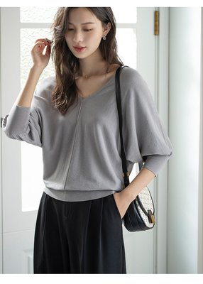 YOHO 現貨短袖上衣 (SDP5099) 實拍純色V領寬鬆蝙蝠袖針織衫 襯衫 有4色 M-L 預購