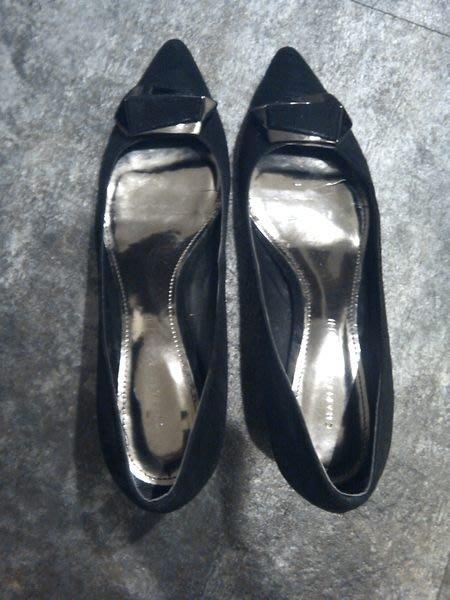 新加坡 Charles&Keith 絲絨蝴蝶結‧波浪跟尖頭鞋~婚禮/晚宴/外拍