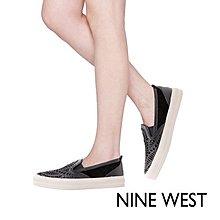 NINE WEST雷射雕花休閒平底鞋-時髦黑