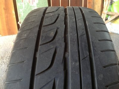 16 吋台製輪框 5孔100,中心軸 42,含普利司通 RE001 205 55 R16 輪胎一組4顆