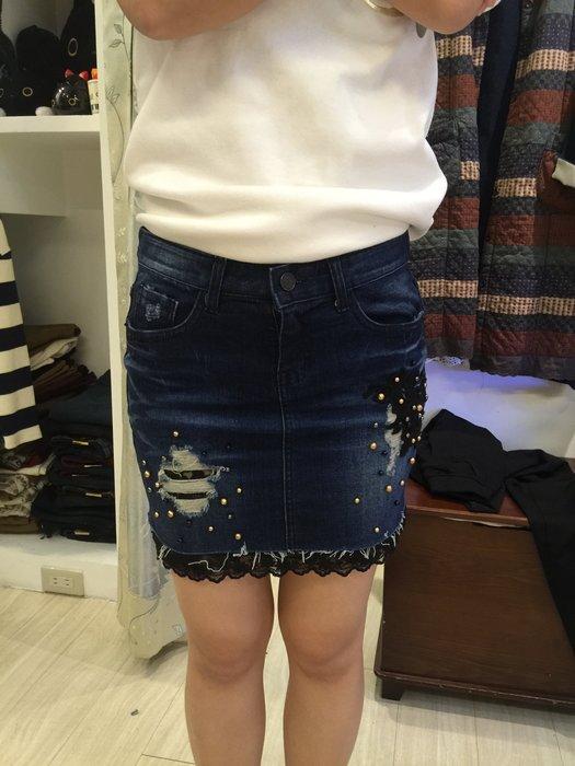 【江南小舖】正韓--定腰式釘珠繡花蕾絲牛仔短裙***零碼出清