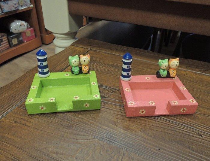 ~溫馨小舖 J&J STORE~ 印尼手工彩繪木製名片座 可愛貓咪名片座 可愛小貓名片座 綠色名片座、粉色名片座兩款可選