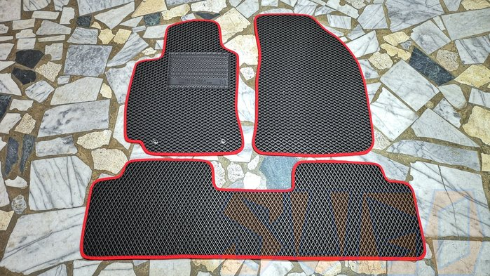 SUGO汽車精品 豐田WISH 1/1.5代(04~09年) 專用蜂巢式腳踏墊