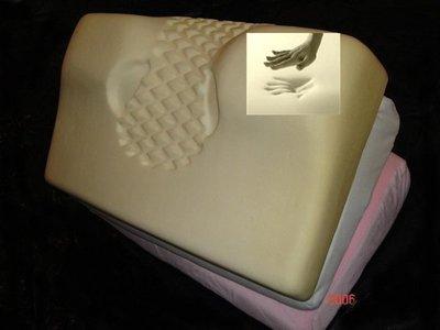 【3D立體工學多功能智慧型成人記憶枕頭-高密度95模具製造醫療級】配有2個竹炭枕套可更換使用