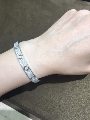 【愛錶回春中心】Cartier Love手環 鑲美鑽 ~ 請自備手環