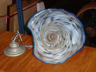 收藏一隻牛奶雪花的玻璃燈罩-典雅漂亮!!
